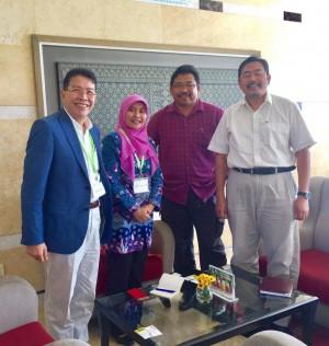 Photo 1 : Bapak Professor Dodi Nandika (Faculty of Forestry - Bogor Agricultural University) & Ibu Lina Karlina (Faculty Forestry, Kampus Ipn Damarga, Bogor).